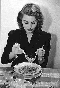 sophia loren eating